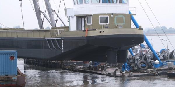 2]Crane Barge 4