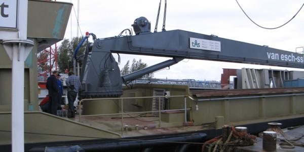 3]Crane Barge 4