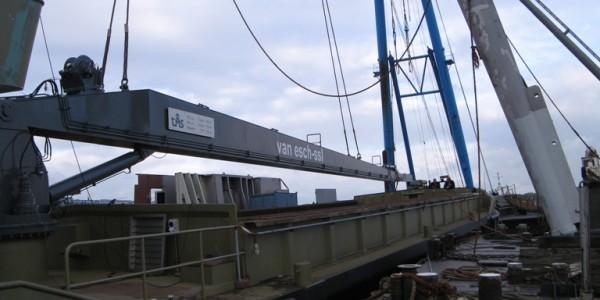 4]Crane Barge 4